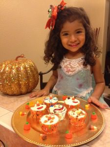 Halloween Cupcake Treats :: RGV Moms Blog