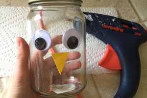 Tom Turkey Craft :: Mason Jar DIY Craft for Thanksgiving