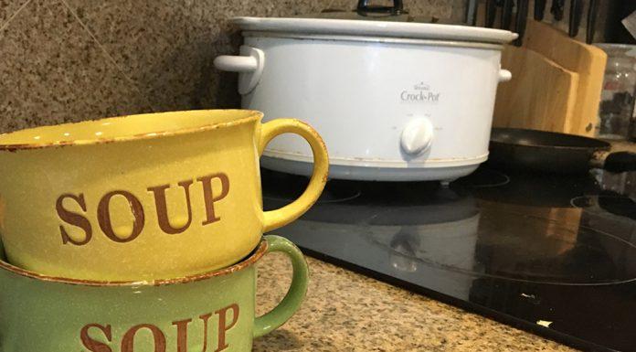 slow-cooker-recipe-cheesy-chicken-enchilada-soup